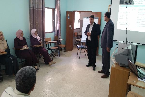 """""""القدس المفتوحة"""" تبدأ بتدريب المعلمين في مشروع تحسين إعداد المعلمين وتأهيلهم (1-4)"""