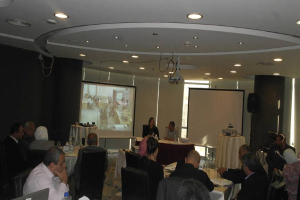 """""""القدس المفتوحة"""" تشارك في ورشة عمل خاصة بالمجمعات التدريبية لمشروع تأهيل المعلمين (1-4)"""